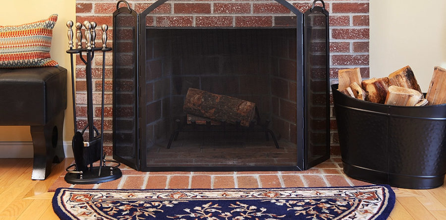Nine essential tools for wood fireplaces