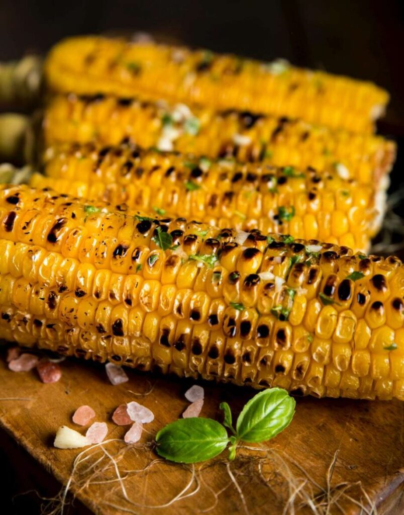 Corn on the grill, delicious vegan grilling